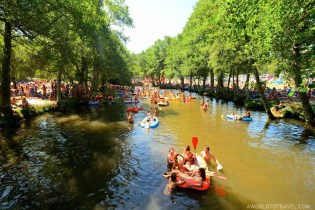 Vodafone Paredes de Coura 2015 music festival - Taboao river beach - A World to Travel-27