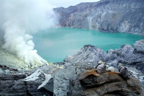 Volcán Kawah Ijen Indonesia - Como viajar indefinidamente - Entrevista a Claudia Rodriguez Solo Ida - A World to Travel