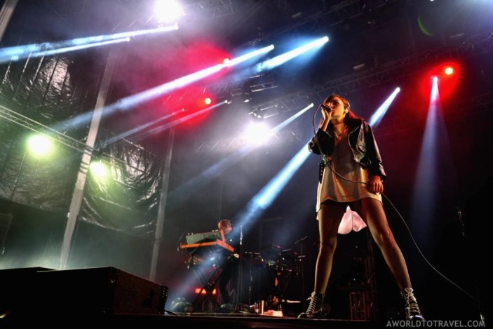 14. Chvrches - Vodafone Paredes de Coura 2016 - A World to Travel (6)