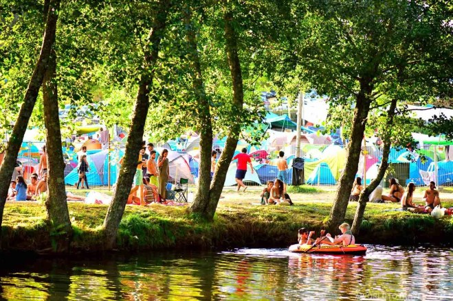 River fun at Vodafone Paredes de Coura Festival 2016 - A World to Travel (34)