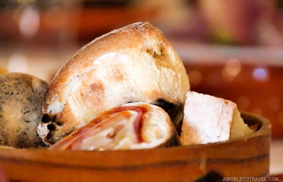 Appetizers at Recanto dos Carvalhos - Gralheira - Cinfaes - Montanhas Magicas Road Trip - Portugal - A World to Travel