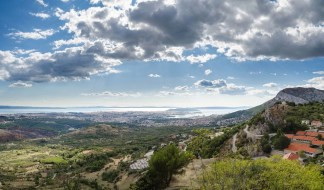 Kliss Fortress panorama view - 10 Day Croatia Itinerary From Dubrovnik to Zagreb - A World to Travel