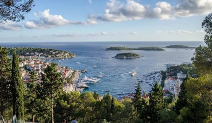 Paklinski Islands - 10 Day Croatia Itinerary From Dubrovnik to Zagreb - A World to Travel