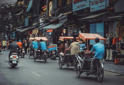 Vietnam traffic - Best places to visit in Vietnam - A World to Travel