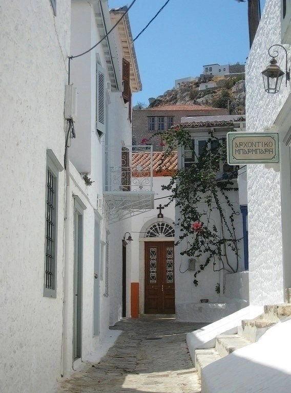 A Brief Guide To Hydra Island - Greece - A World to Travel (4)