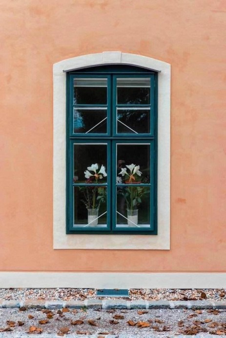 Austrian window boxes - Inspiring Ideas For Lovely Travel-Themed Gardens - A World to Travel (1)