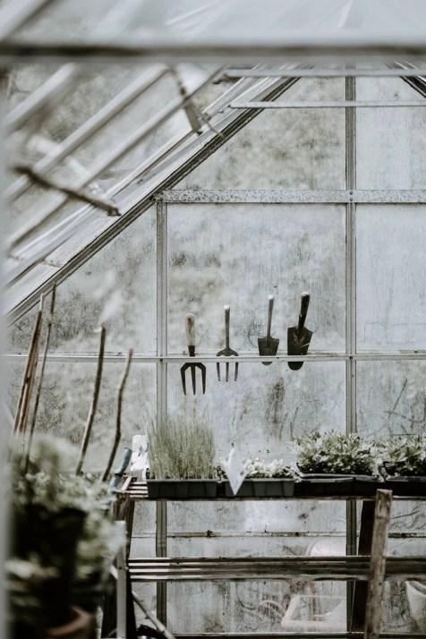 Inspiring Ideas For Lovely Travel-Themed Gardens - A World to Travel (1)