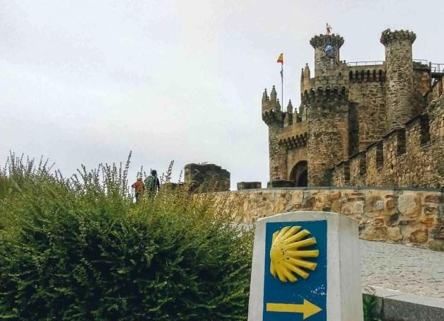Etapa 2 - Astorga Ponferrada - Camino en bici - A World to Travel (4)