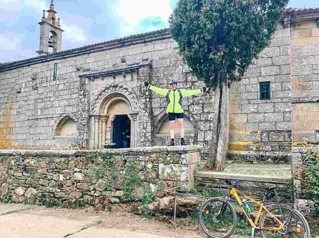 Etapa 6 - Melide Santiago de Compostela - El camino en bici con Tee Travel - A World to Travel (13)