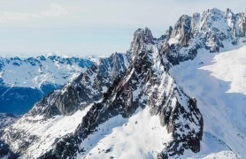 Aerocime flights over the French Alps Mont Blanc Mar de Glace - Megeve - A World to Travel (6)