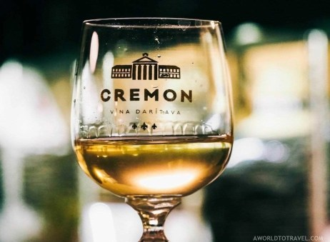 Cremon wine tasting in Krimulda manor - A World to Travel