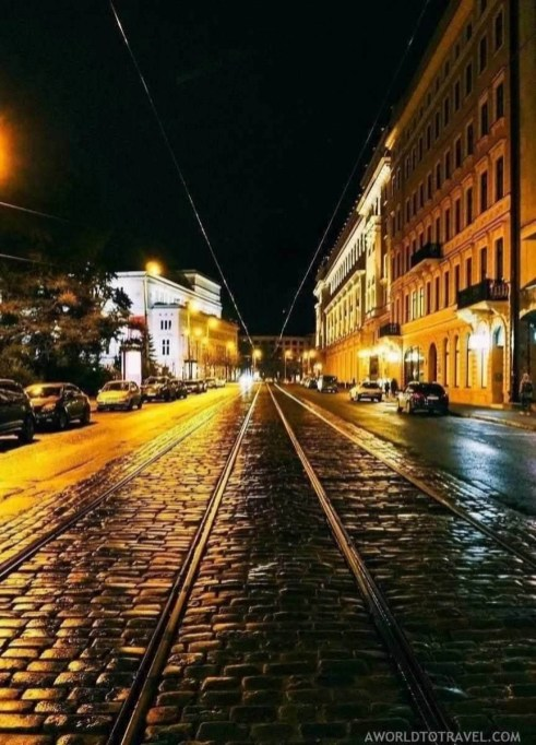 Riga old town at night - What to do in Latvia - A World to Travel (3)