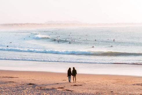 A couple at Dunas Beach in Baleal