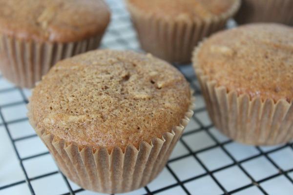 caramel apple cupcakes cool