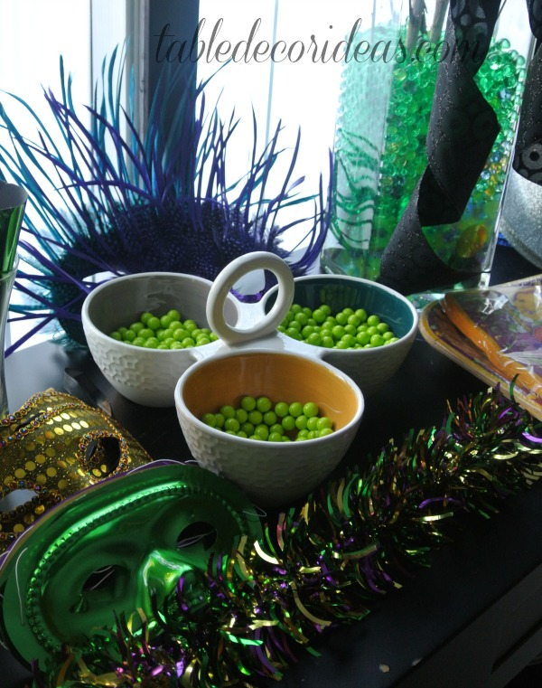 mardi gras table 1.jpg