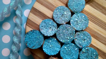 Easy DIY ideas to do with Wine Corks - Wine Cork Christmas Tree Ornaments