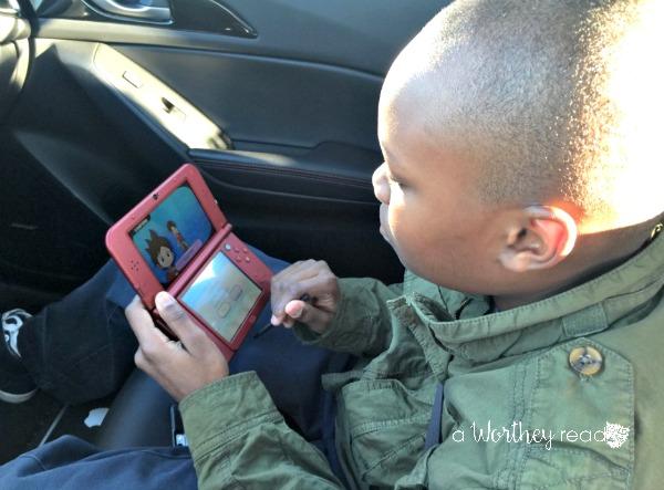 Zayd'n playing Yokai Watch1