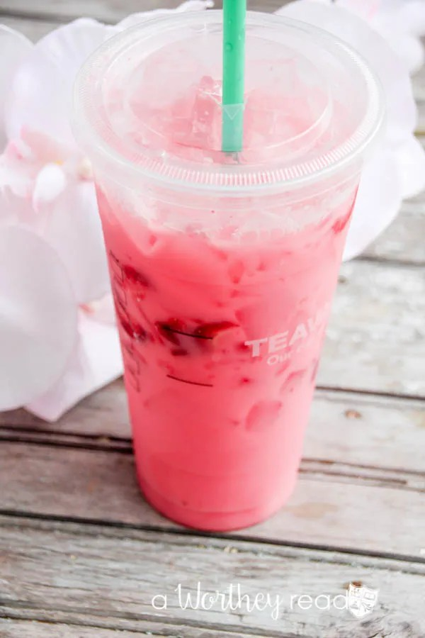 What does the Starbucks Pink Drink taste like?