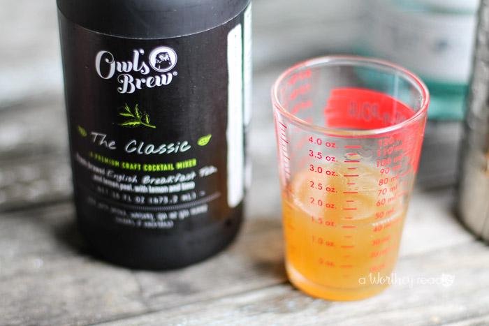 spiked-lemon-tea-cocktail-2