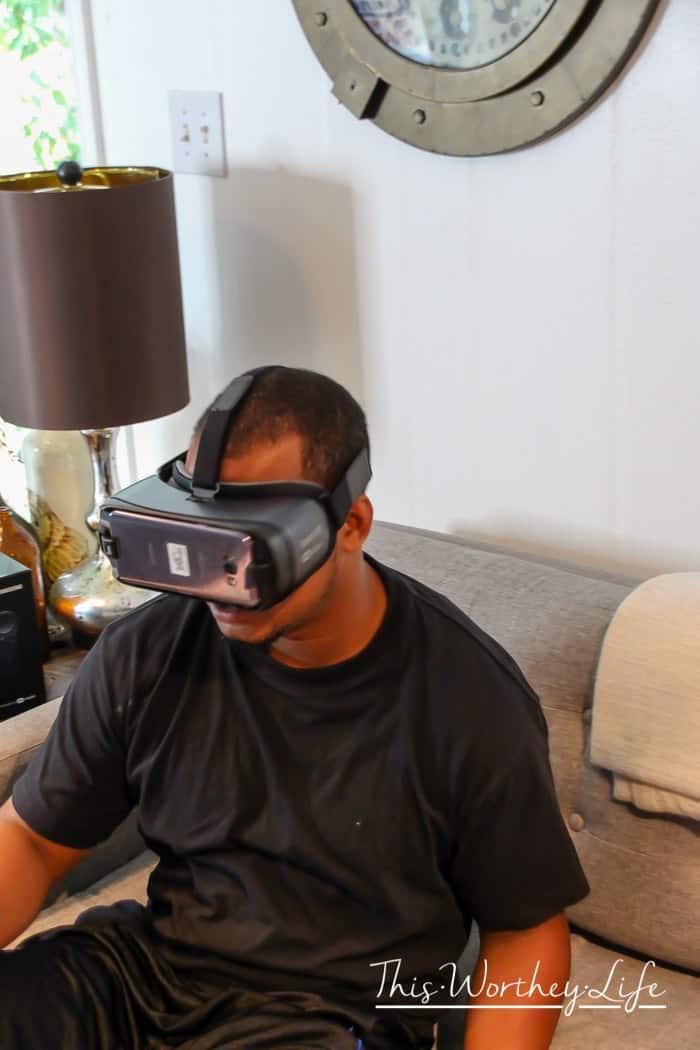 Hot Dog Bar + MLB + Samsung VR-11