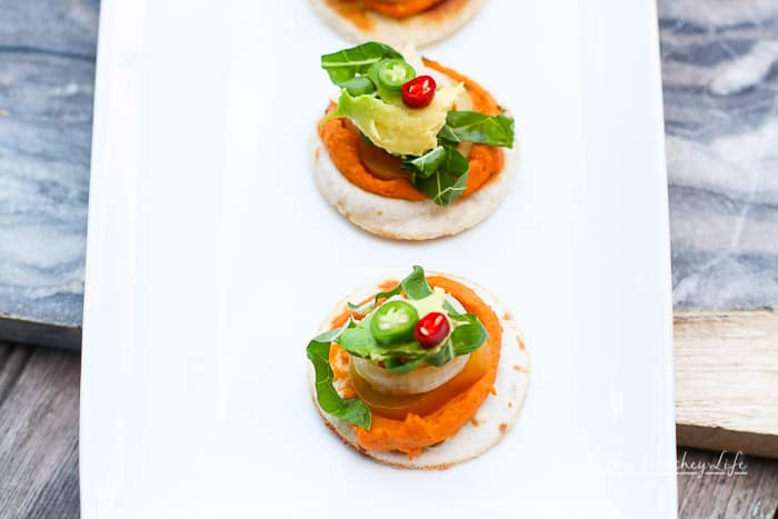 Mini Tortilla Hummus Chicken Bites
