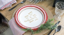 How To Set A Holiday Table With Paper Plates