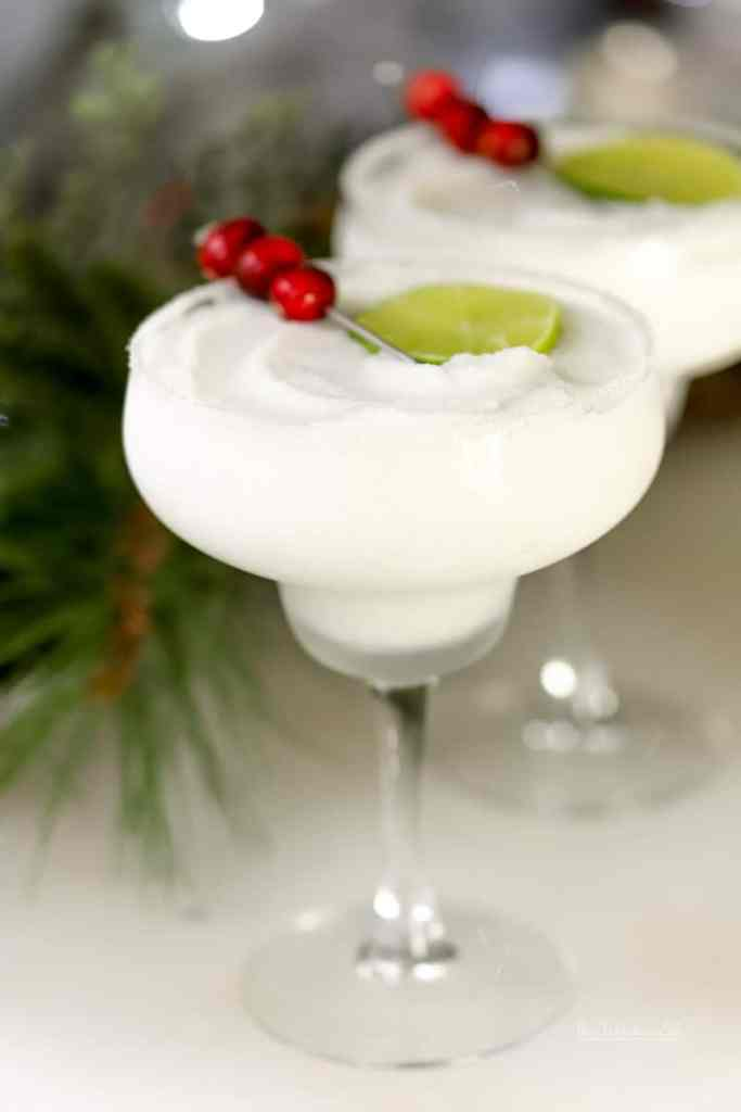 Peppermint everything is always fun to enjoy during the holiday season. And when you add peppermint, tequila, and coconut, you get ourFrozen Peppermint Coconut Margarita. Take the edge off this Christmas; we got you.