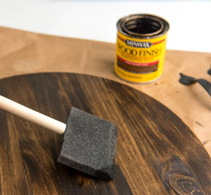 How to stain a wooden tray