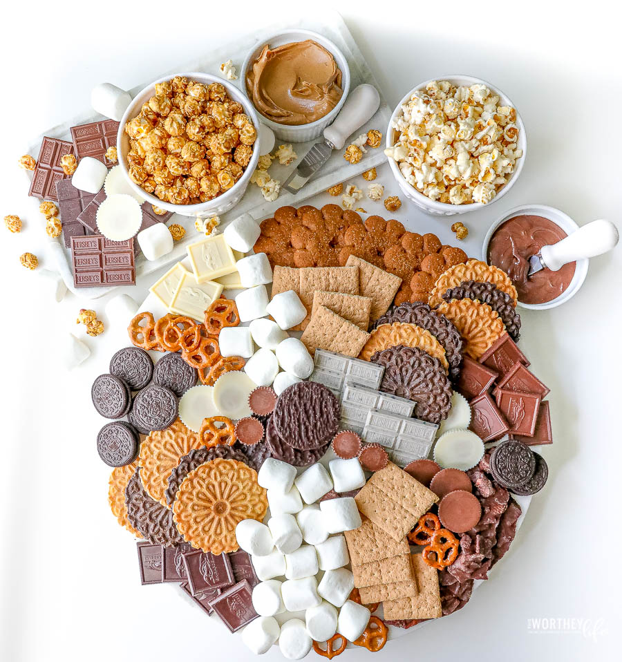 The Ultimate S'Mores Grazing Board