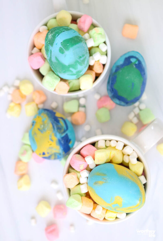 easter hot chocolate in cups