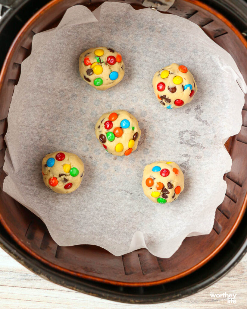 Directions on how to make air fryer cookies