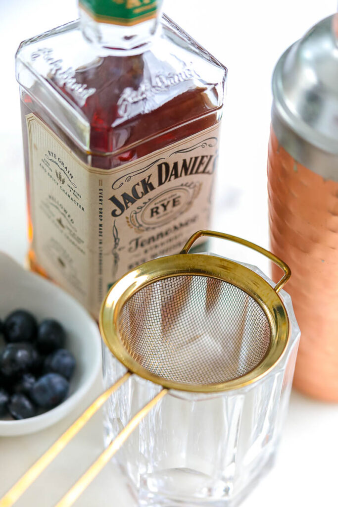how to muddle berries