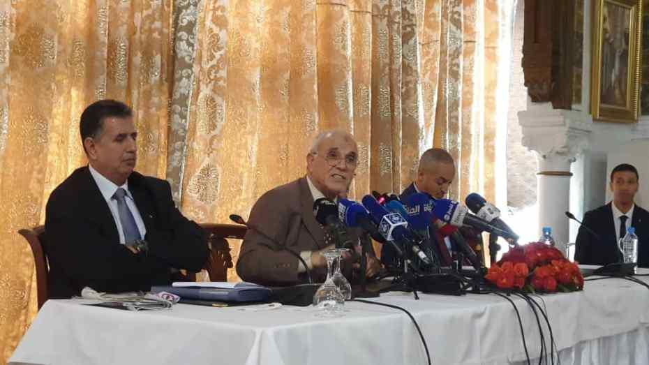 130 شخصا سحب إستمارات الترشح لرئاسيات ديسمبر