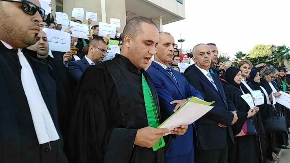 قضاة العاصمة في وقفة احتجاجية أمام مجلس قضاء الجزائر