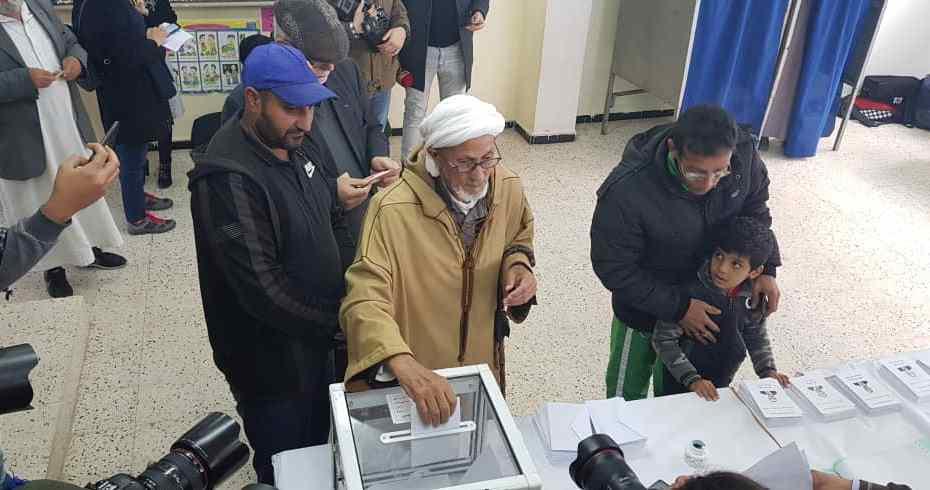 الحبس من سنتين إلى 10 سنوات لمن يقدم الهدايا للناخبين يوم الاقتراع