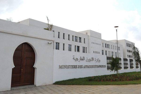 الجزائر تجمع دول الجوار الليبي