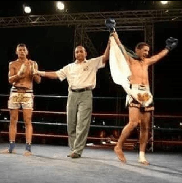 وفاة بطل الجزائر ملاكمة
