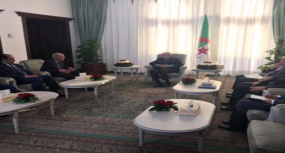أبو الغيط يدعو تبون لزيارة الجامعة العربية