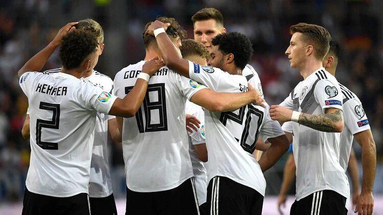 لاعبو المنتخب الألماني يتبرعون بـ 2.5 مليون يورو لمكافحة كورونا