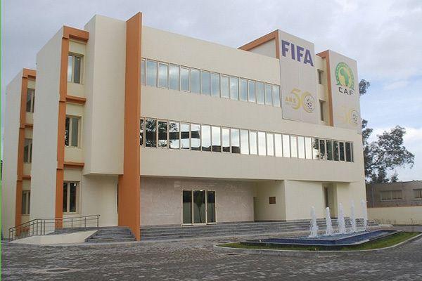 الجزائر تغيب عن استضافة نهائي دوري الأبطال وكأس الكاف