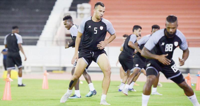 جمال الدين بن العمري يخضع لتمارين خاصة بسبب كورونا.