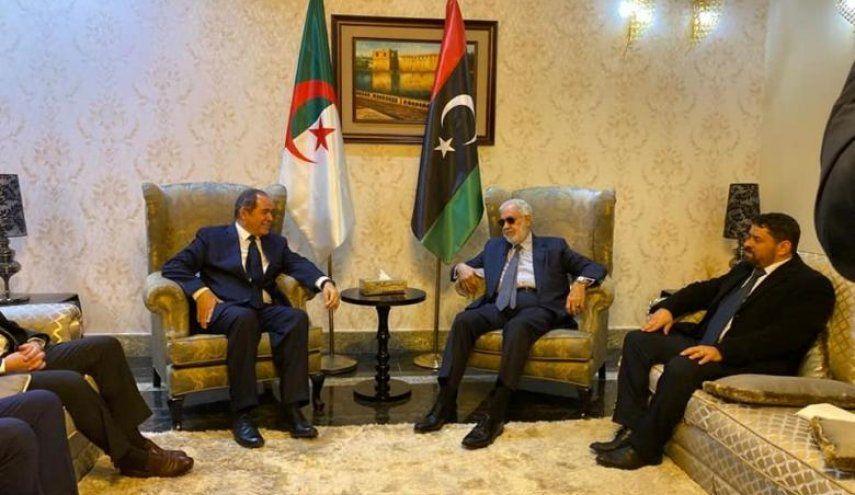 بوقادوم يؤكد لنظيره الليبي التزام الجزائر بالحل السياسي للقضية الليبية