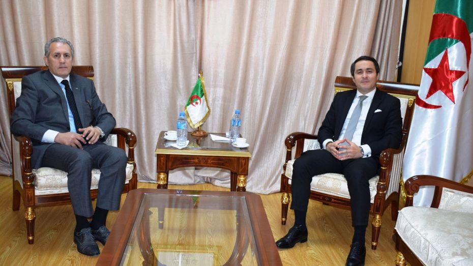 الوزير خالدي يستقبل رئيس اللجنة الأولمبية بالنيابة