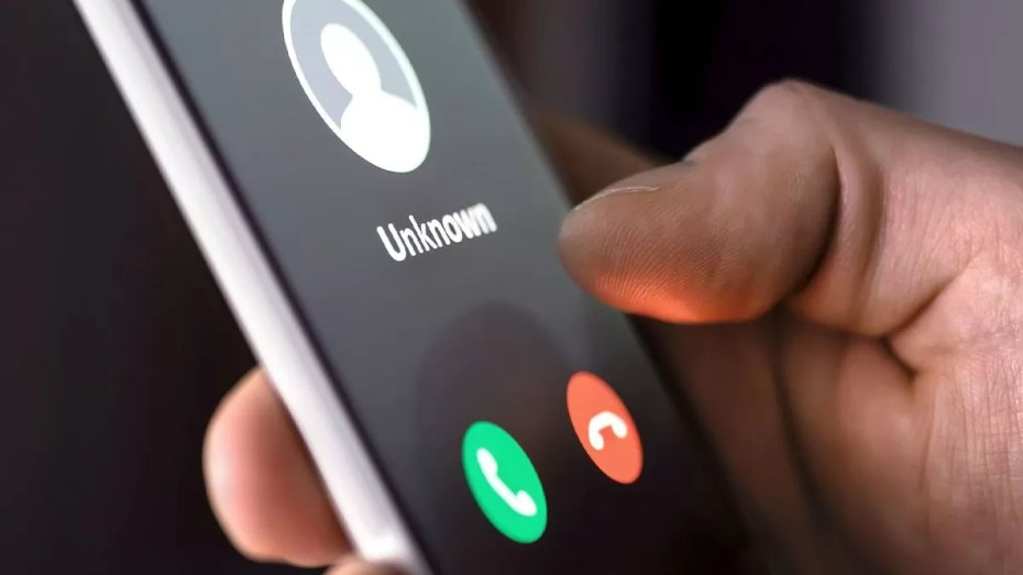 تسريب مقطع مكالمة هاتفية لكولسة وبيع وشراء المباريات