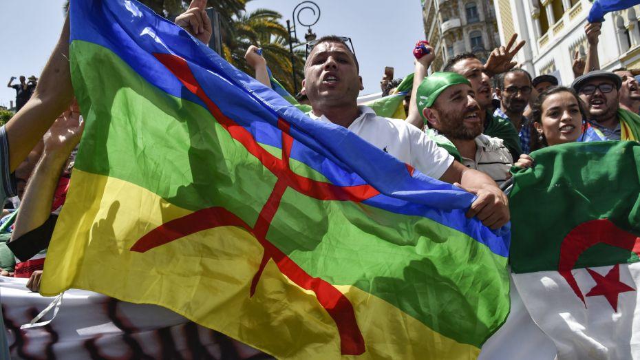 دسترة الأمازيغية ومأزق السجين!