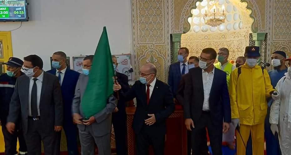 وزير الشؤون الدينية يعطي إشارة الانطلاقة للحملة الوطنية لتعقيم المساجد