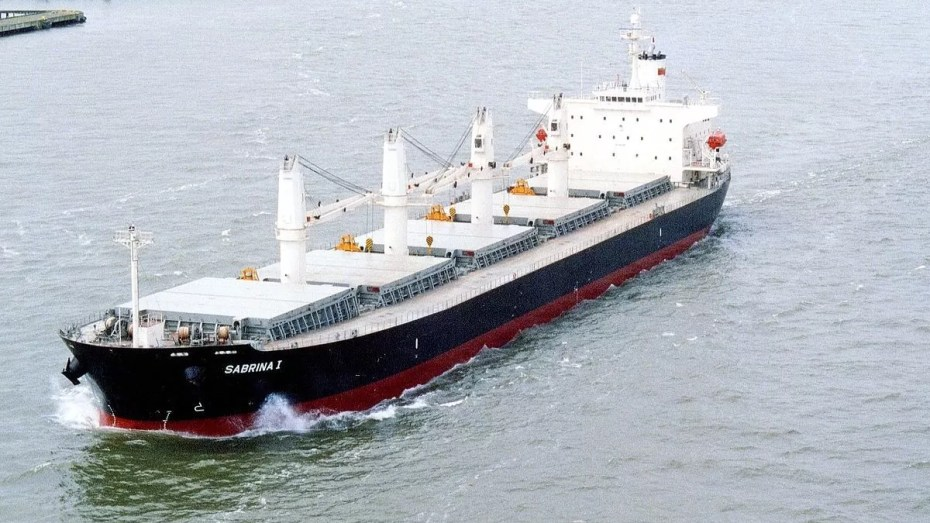 الجزائر تقتحم صناعة السفن الفولاذية