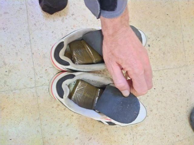 """تهريب """"الكيف"""" داخل حذاء!"""