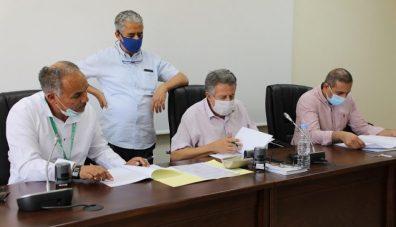 بالفيديو  مراسيم توقيع اتفاقية ثلاثية بين الفاف وبارادو واتحاد بلعباس