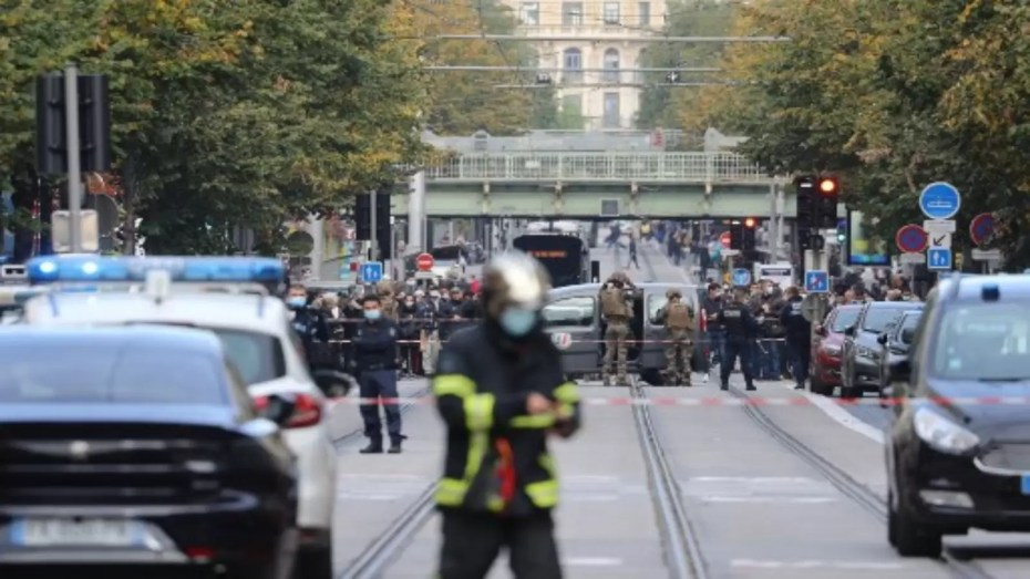 ثلاثة قتلى في هجوم بسكين في مدينة نيس الفرنسية